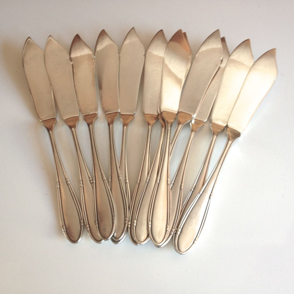 12 Deetjen fish knives